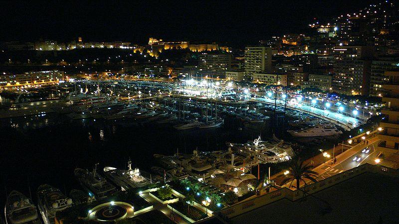 800px-Monte_Carlo_Bay_night
